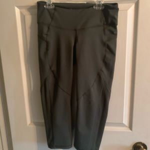 Old Navy Cropped Workout Pants